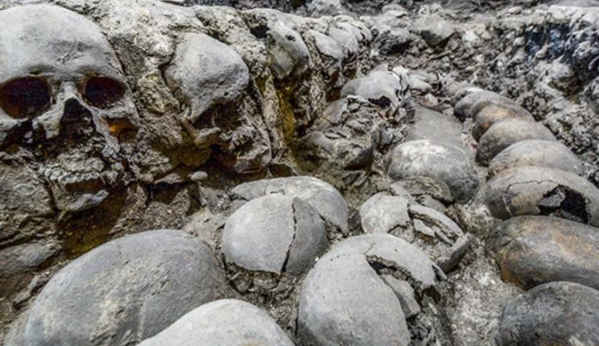 Discovery Of 500 year old Gruesome Aztec tower of skulls