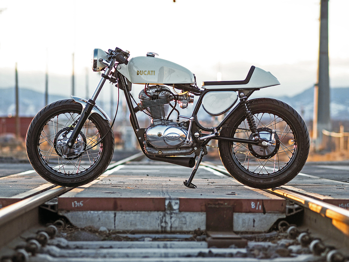 york st moto ducati 350 widecase return of the cafe racers. Black Bedroom Furniture Sets. Home Design Ideas