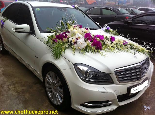 Cho thuê xe cưới Mercedes C250 giá rẻ tại Hà Nội