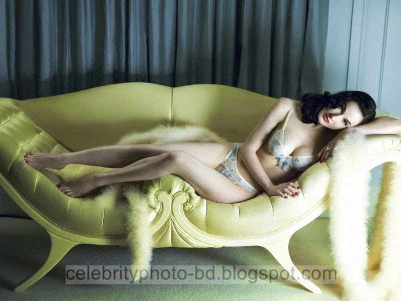 Dita+Von+Teese+Latest+Hot+Photos+With+Short+Biography013
