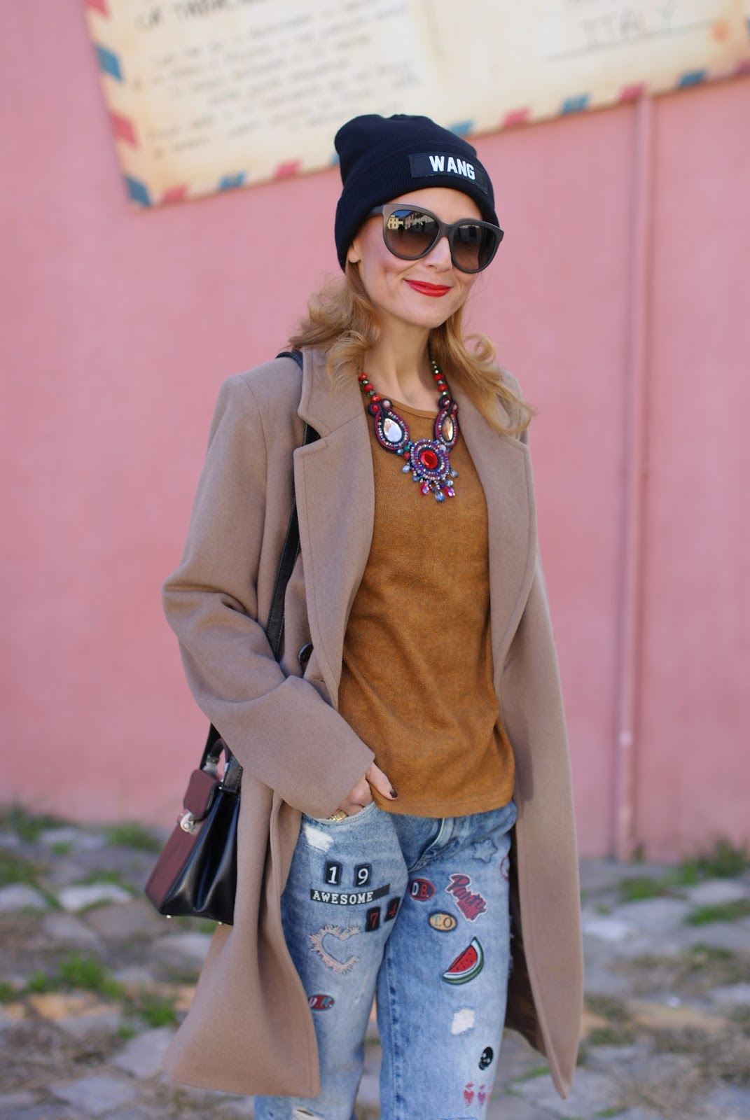 Kiabi camel coat and Zara patched jeans on Fashion and Cookies fashion blog, fashion blogger style