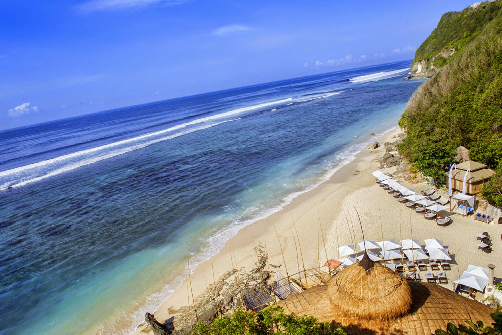 DELUXSHIONIST 10 GUIDE NAMMOS BEACH CLUB BALI