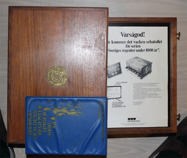 Sverige och dess Regenter under 1000 år, Schattul av trä och medaljer i patinerad brons