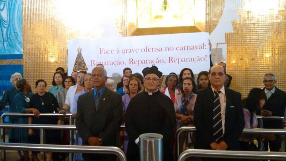 Católicos fazem ato de Reparação