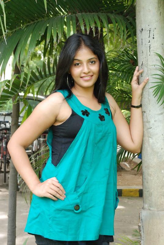 Anjali Latest Cute Stills In Engeyum Eppothum Press Meet gallery pictures