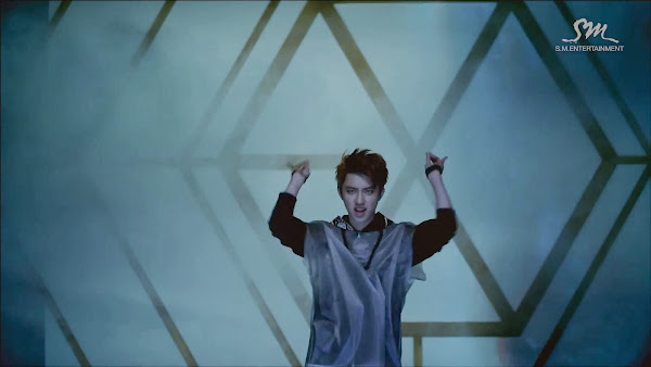 exo wolf mv who is who i say myeolchi k pop in greek. Black Bedroom Furniture Sets. Home Design Ideas