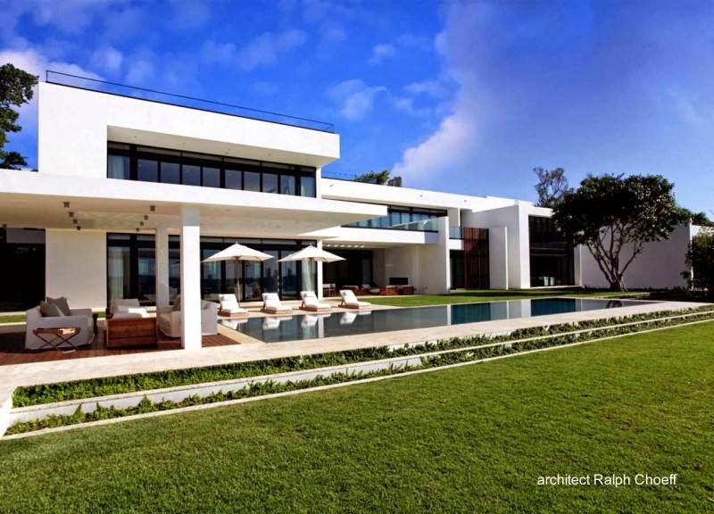 Fondos con piscina de residencia contemporánea en Miami 2012