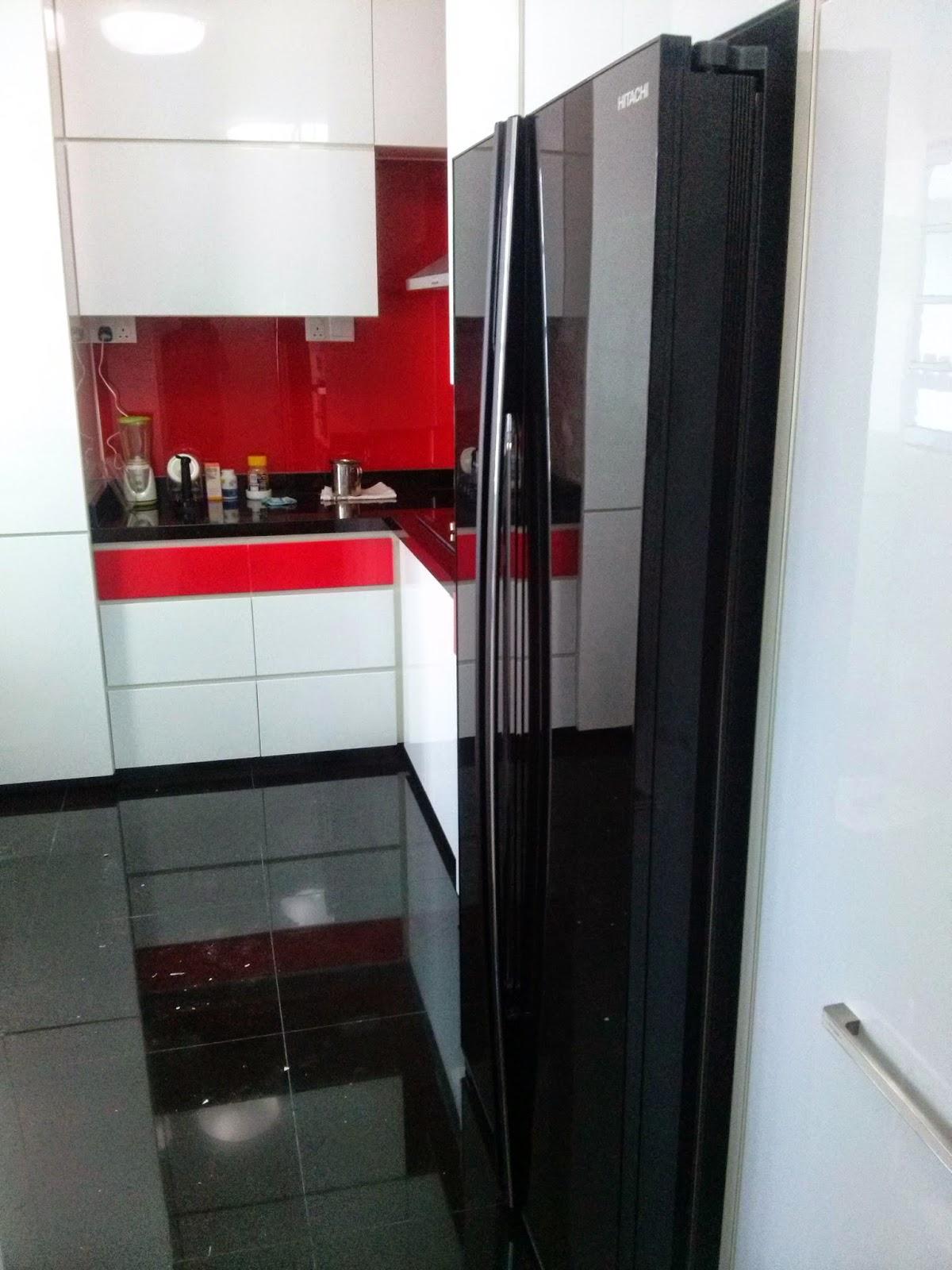 Singapore interiors design hi gloss white red kitchen for Red gloss kitchen units