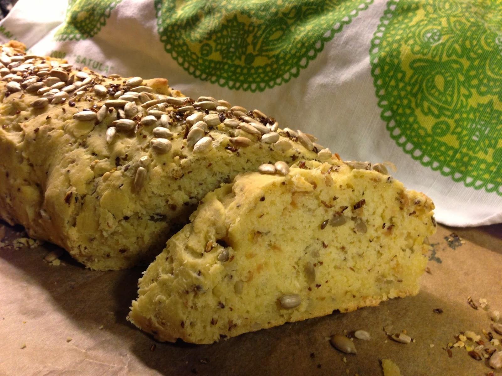 Saftigt gluten- /vete- /soja- /ägg- /mjölkfritt solrosbröd.