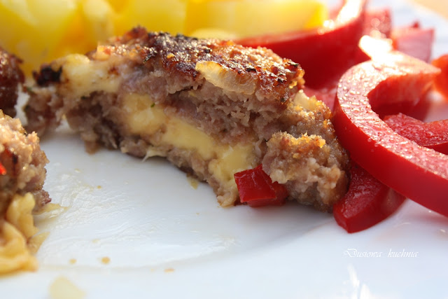 kotlety mielone z serem, kotlety mielone z papryką, przepis na kotlety mielone, mielone z serem