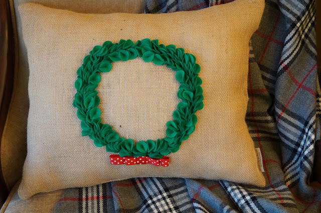 boxwood wreath pillow