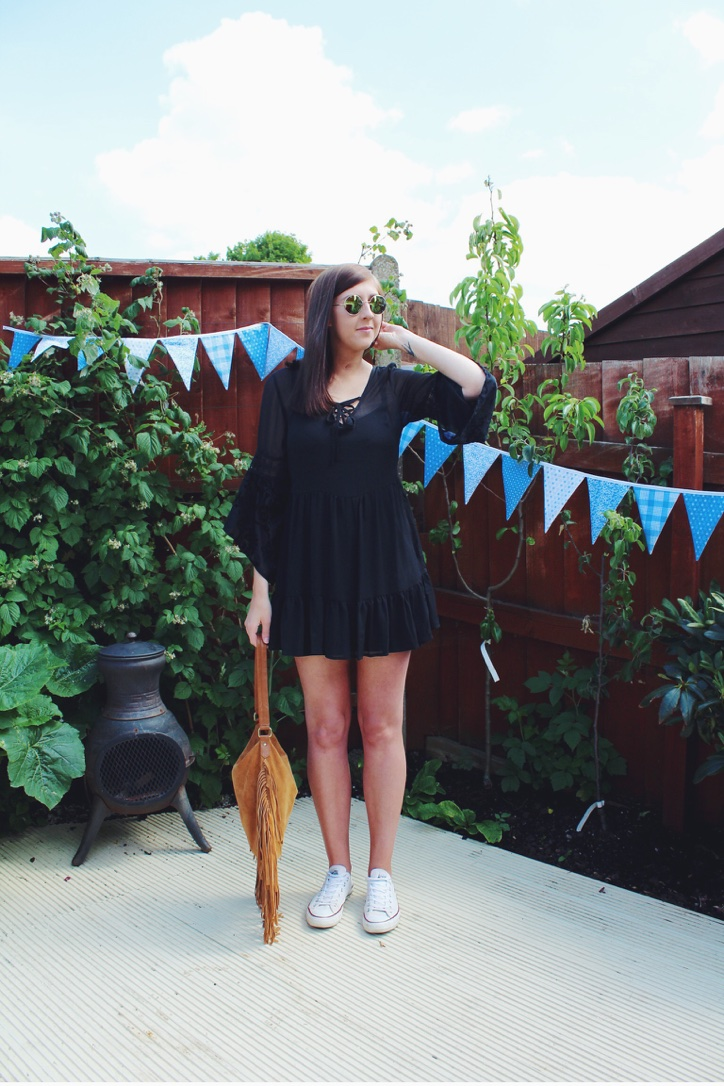 asos, fringing, fringebag, blackdress, festival, festivalclothes, festivalfashion, asseenonme, wiw, whatimwearing, topshop, vintage, laceupdress, converse, lotd, ootd, lookoftheday, outfitoftheday