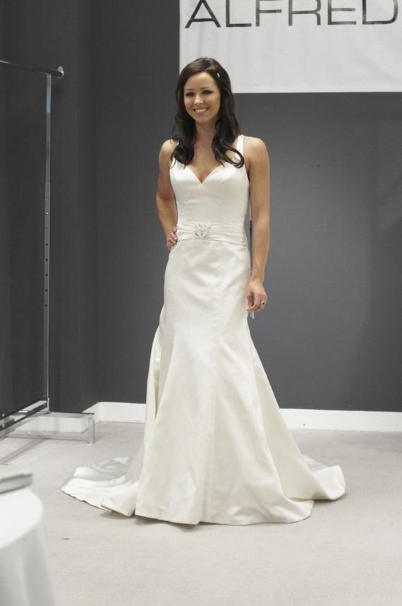 Ziemlich Alfred Sung Wedding Dress Galerie - Brautkleider Ideen ...