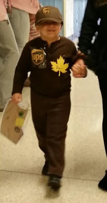 UPS delivery man costume 1