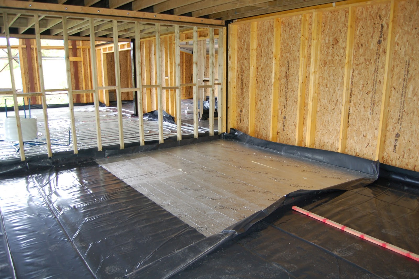Woodhayes underfloor heating and screed for 100mm celotex floor insulation