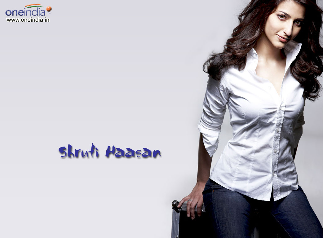 http://4.bp.blogspot.com/-f_16NHx-afE/T5oQvUXbR2I/AAAAAAAAMHs/bBYhdtjjflU/s1600/Beautiful-Shruti-Hassan-Wallpapers-2.jpg