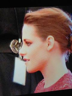 Kristen Stewart - Imagenes/Videos de Paparazzi / Estudio/ Eventos etc. - Página 31 BJnzJAICUAAHr56