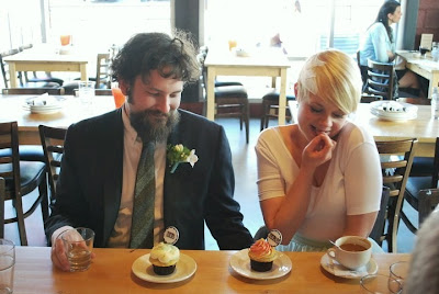 trophy cupcakes, vintage, hipster, bride