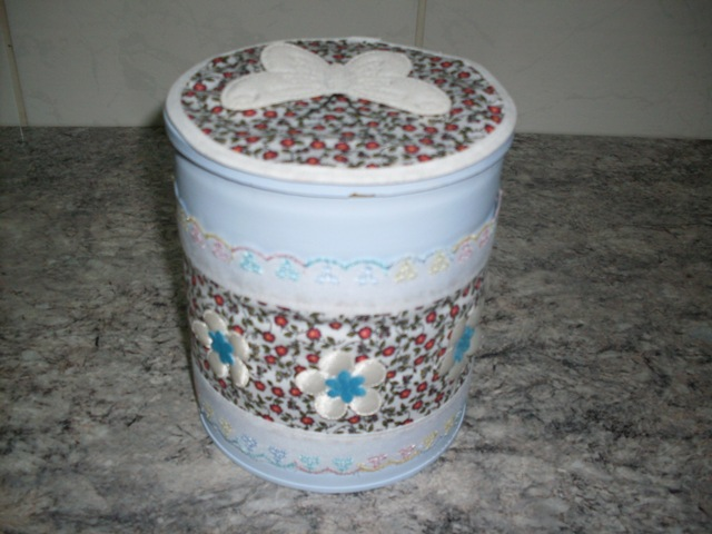 Artesanato Lata De Leite Com Tecido ~ Decoraç u00e3o e artesanato Lata de leite ninho revestida com tecido