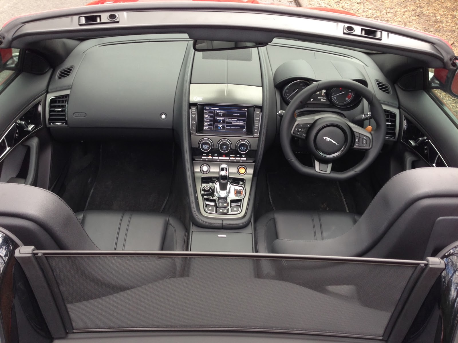 2014 Jaguar F-Type V8 S Convertible interior