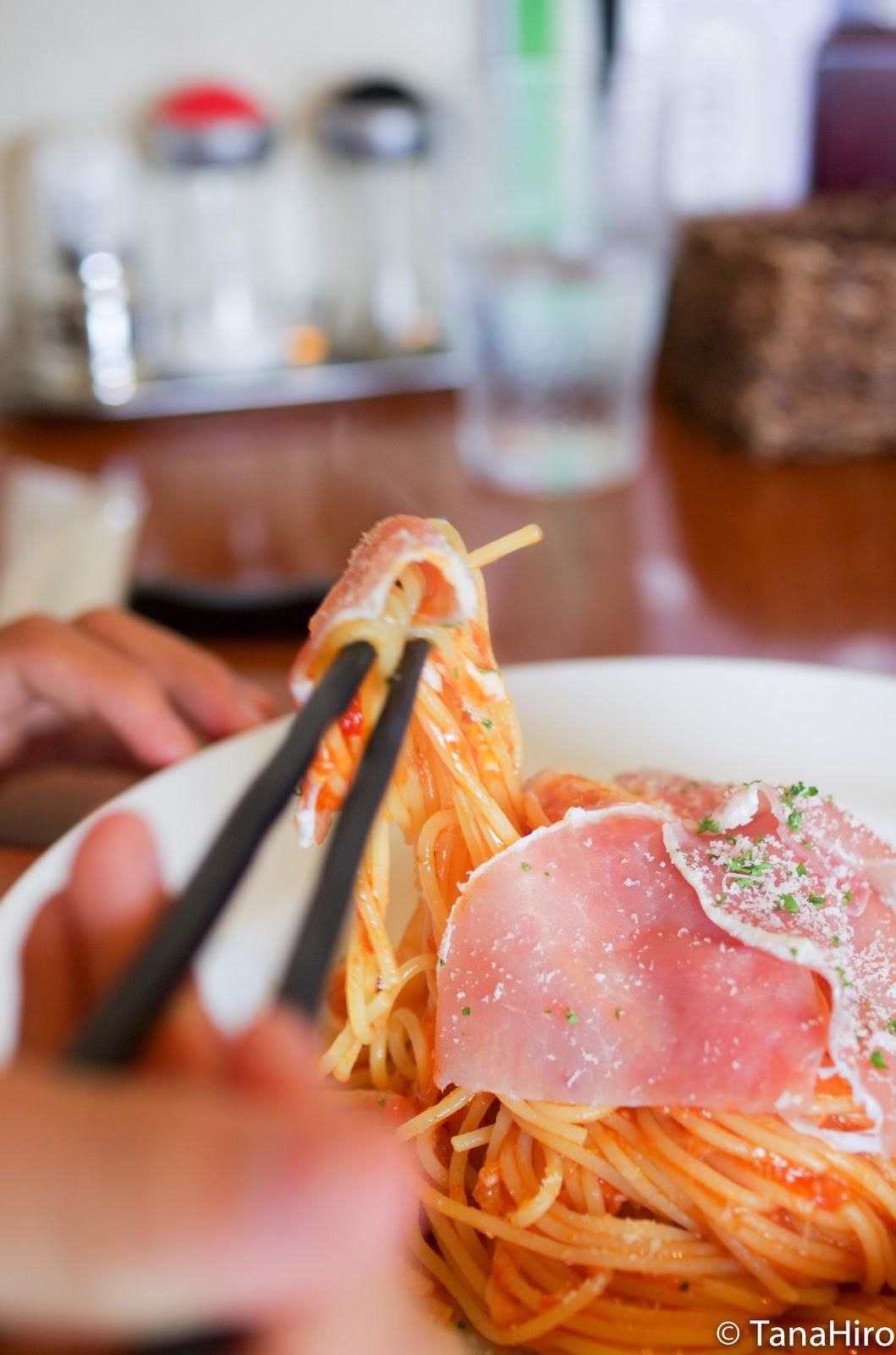 福岡県筑後市「イタリアンレストラン AMP」の箸で食べる ...
