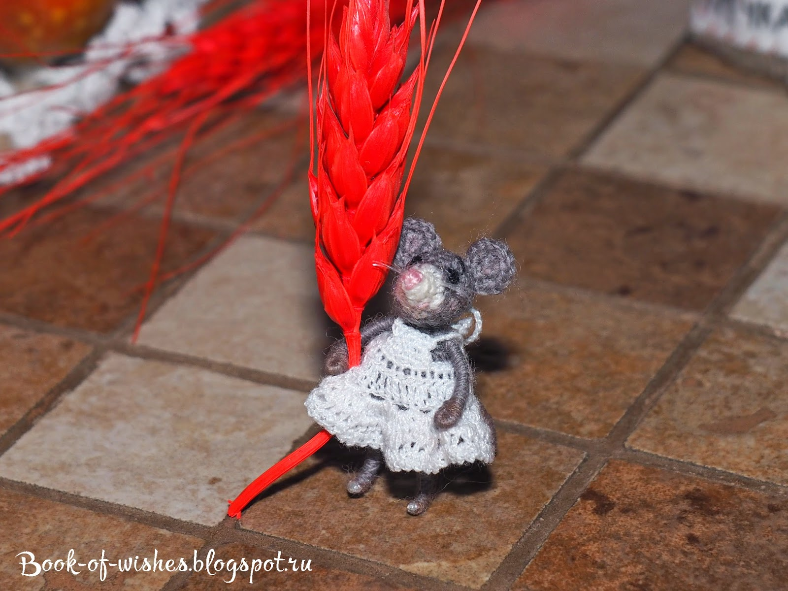 mini crochet mouse