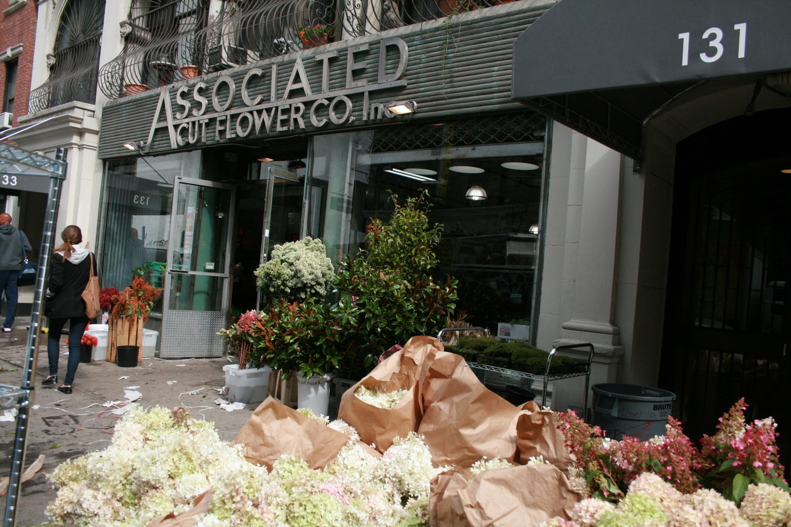 Suearranflowers new york new york my first visit to what they call the flower market on west 28th between 7th and 8th what joy dhlflorist Gallery