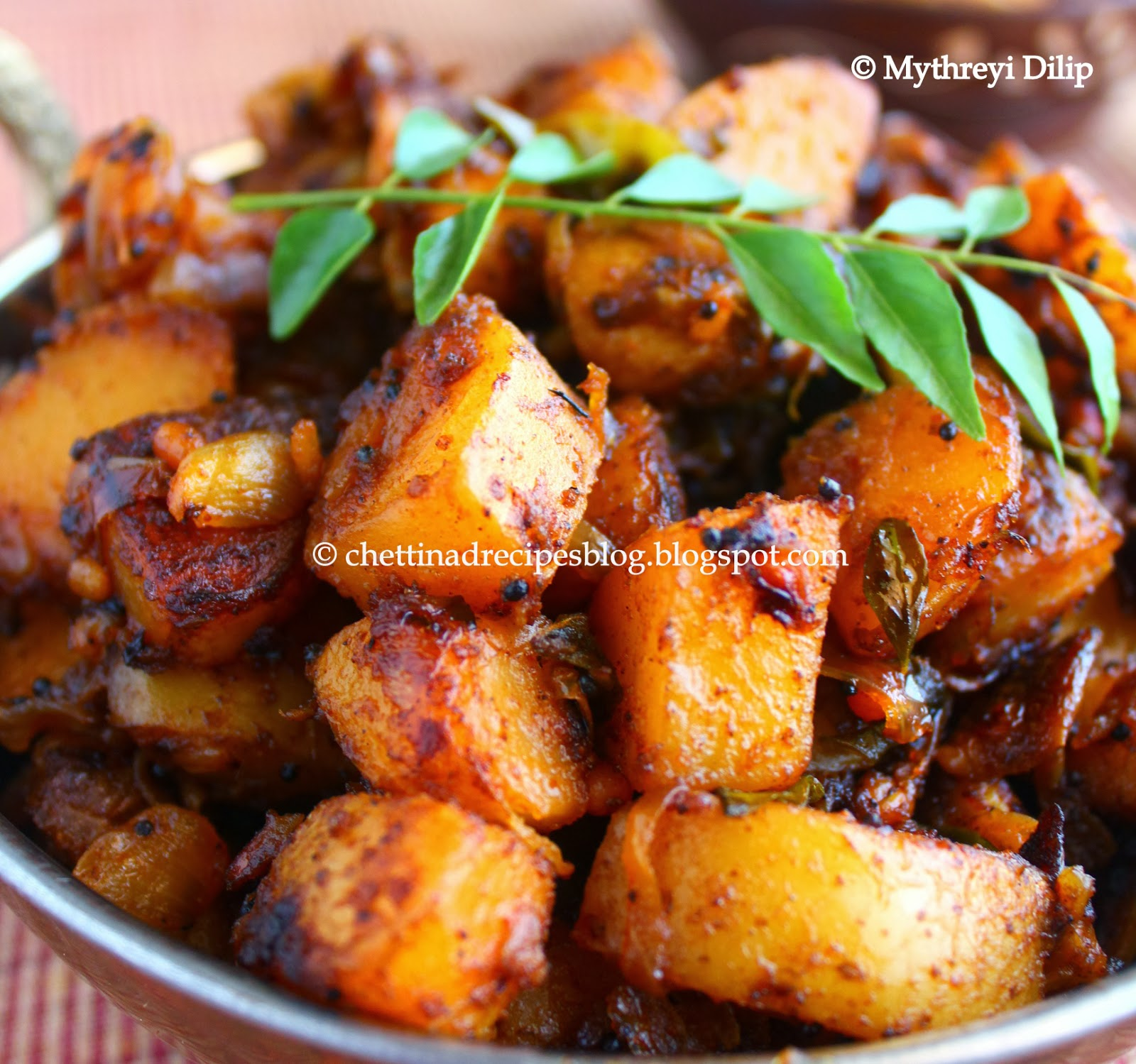 Chettinad Recipes: Ennai Urulai Kizhangu Varuval / Crispy Potato Roast
