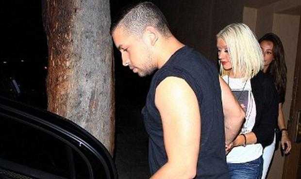 Christina Aguilera: Κυλιέται στα πεζοδρόμια από το πολύ αλκοόλ…
