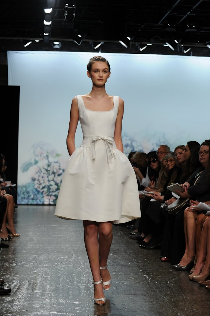 Monique_Lhuillier_Wedding_Dress_Short_Bow