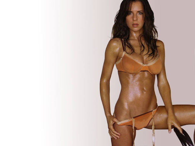 Kelly Monaco sexy in swimwear
