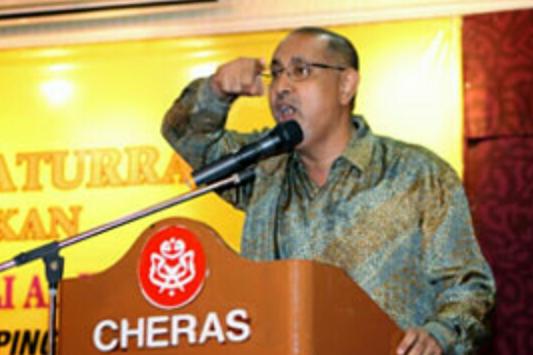 AMARAN UMNO CHERAS KEPADA KAFIR MCA Jangan Ugut UMNO Jika MCA berasakan sudah cukup kuat tiada halangan untuk mereka berpisah dengan UMNO