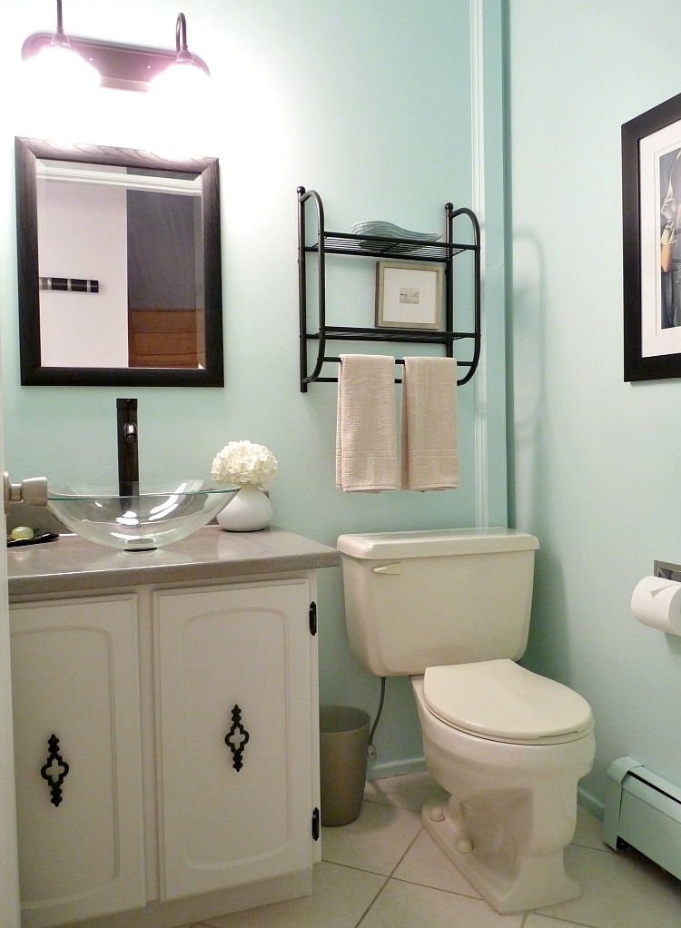 Aqua powder room