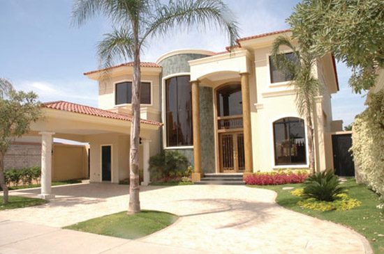 Fachadas de casas modernas y lujosas cocinas modernass for Fachadas de ventanas para casas modernas