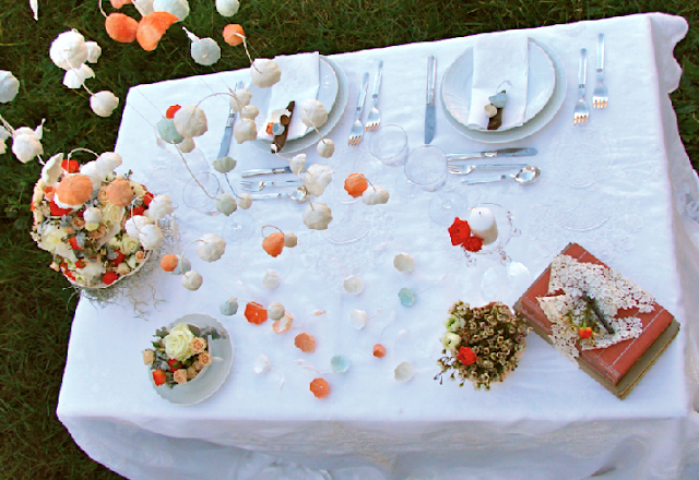 allestimento tavolo per matrimonio in stile shabby chic , inspiration shoot, ghirlande di carta