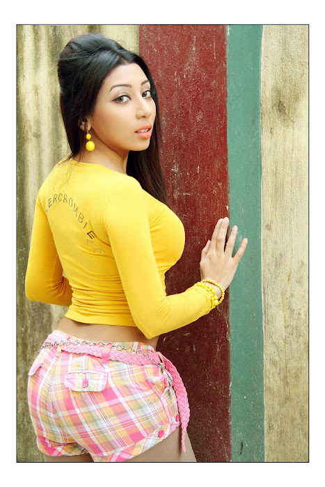 Alaral Movie Hot Spicy Stills film pics
