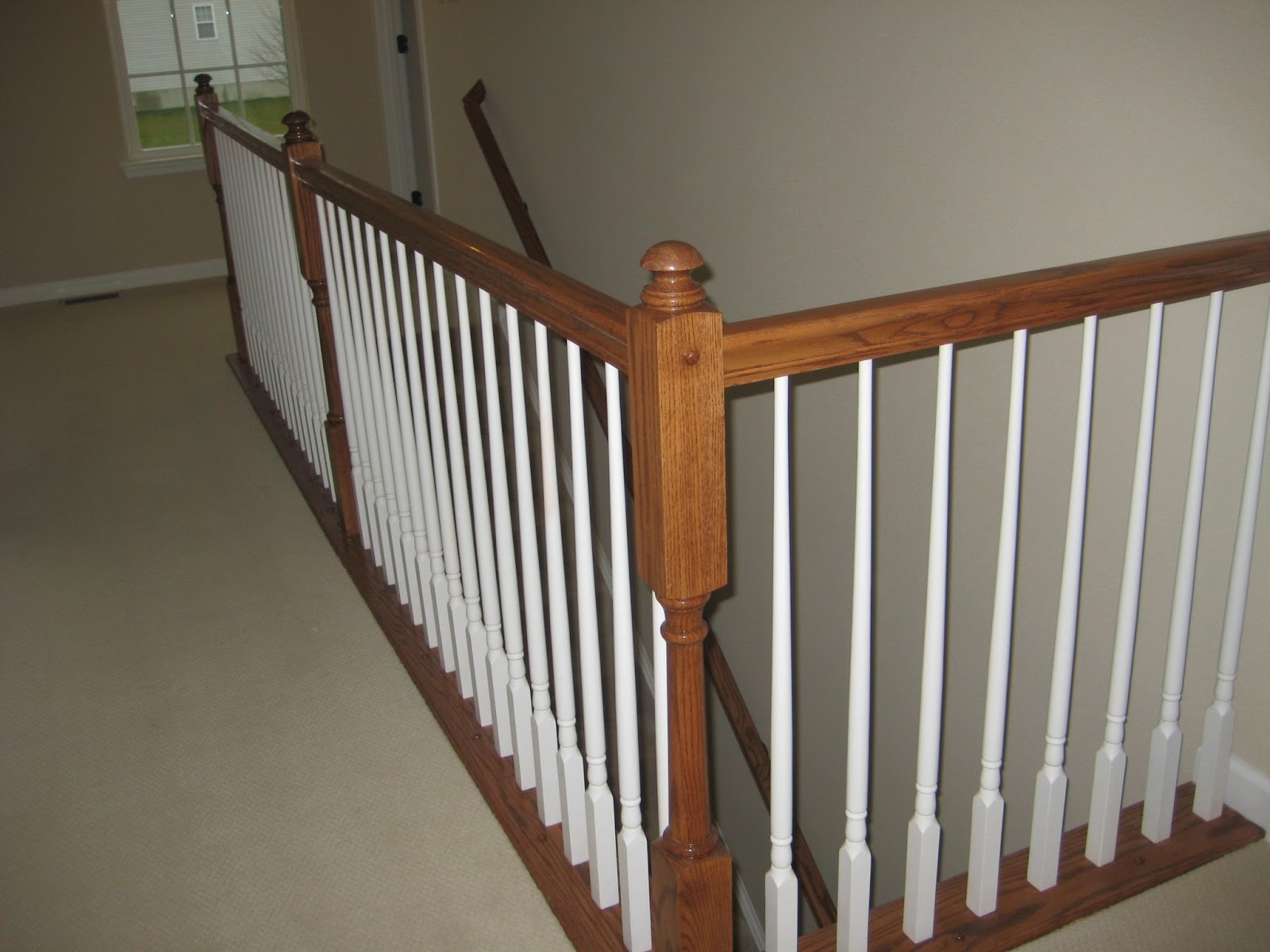 Merveilleux Handrail With White Balusters