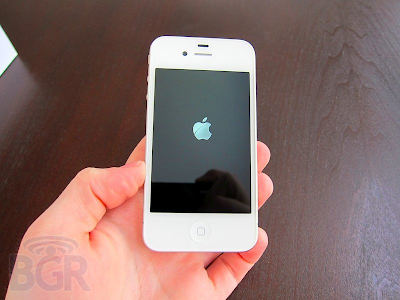 When Does The White iPhone 4 Come Out