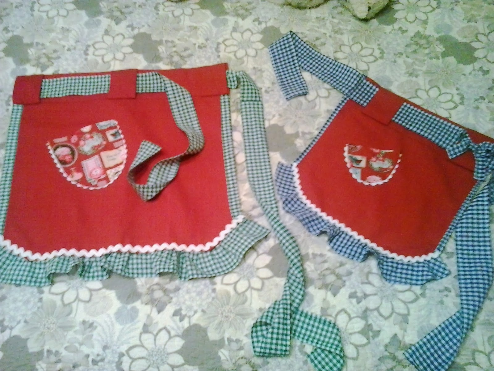 conjunto de mandiles para las mamas e hijas