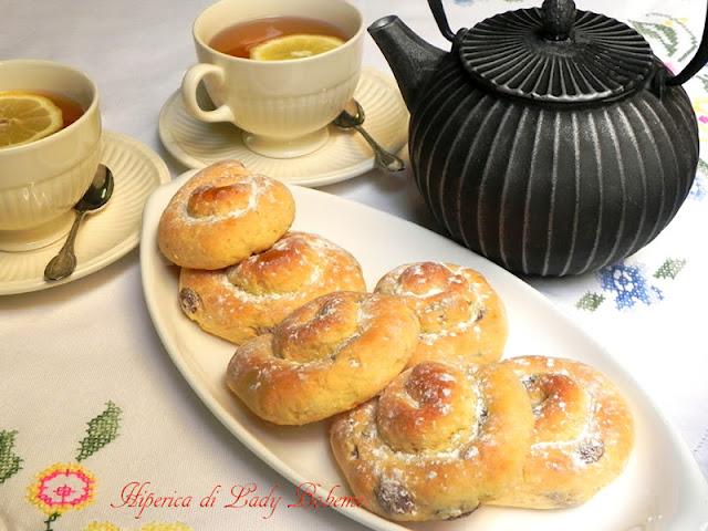 hiperica_lady_boheme_blog_di_cucina_ricette_gustose_facili_veloci_girelle_con_uvetta_2