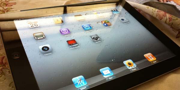 ... rela membuatkan PC tablet sendiri untuk diberikan kepada kekasihnya