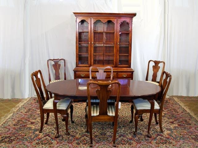 Queen Anne Cherry Dining Room Table