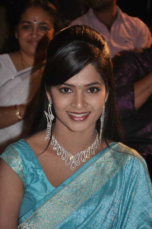 Actress Madhumitha Saree Photos cleavage