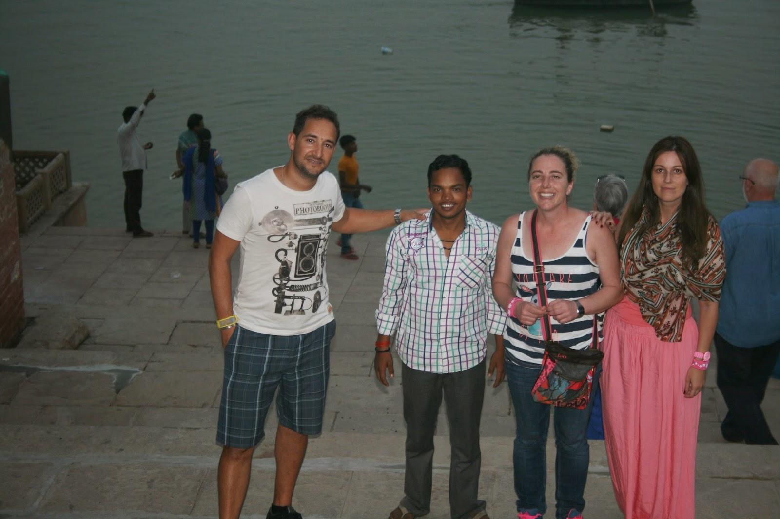 Viaje a India: rio Ganges en Varanasi (Benares). Ghat Dashashwamedh