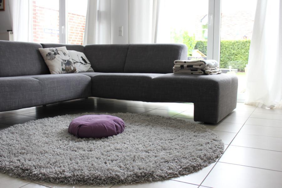 wie sieht kein couchtisch aus fr ulein ordnung. Black Bedroom Furniture Sets. Home Design Ideas