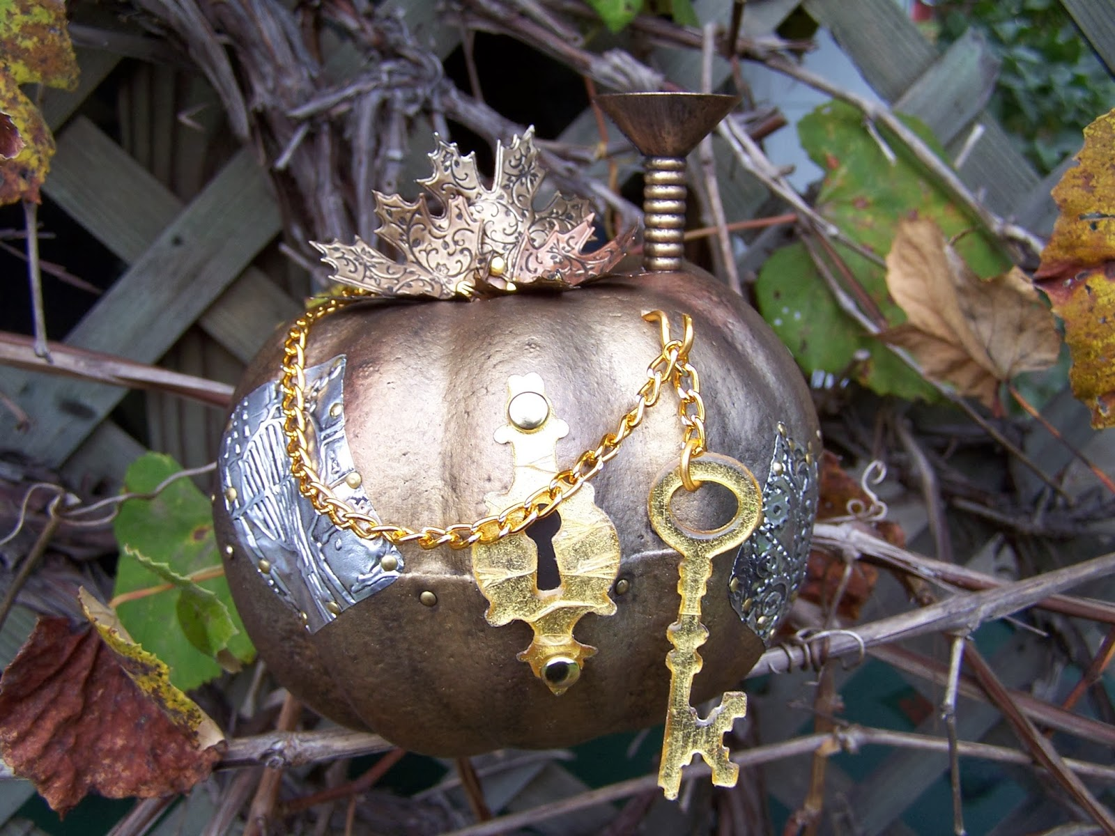 Ring In The Steampunk Decor To Pimp Up Your Home: The Craft Store Reject Strikes Again.: Adventures In