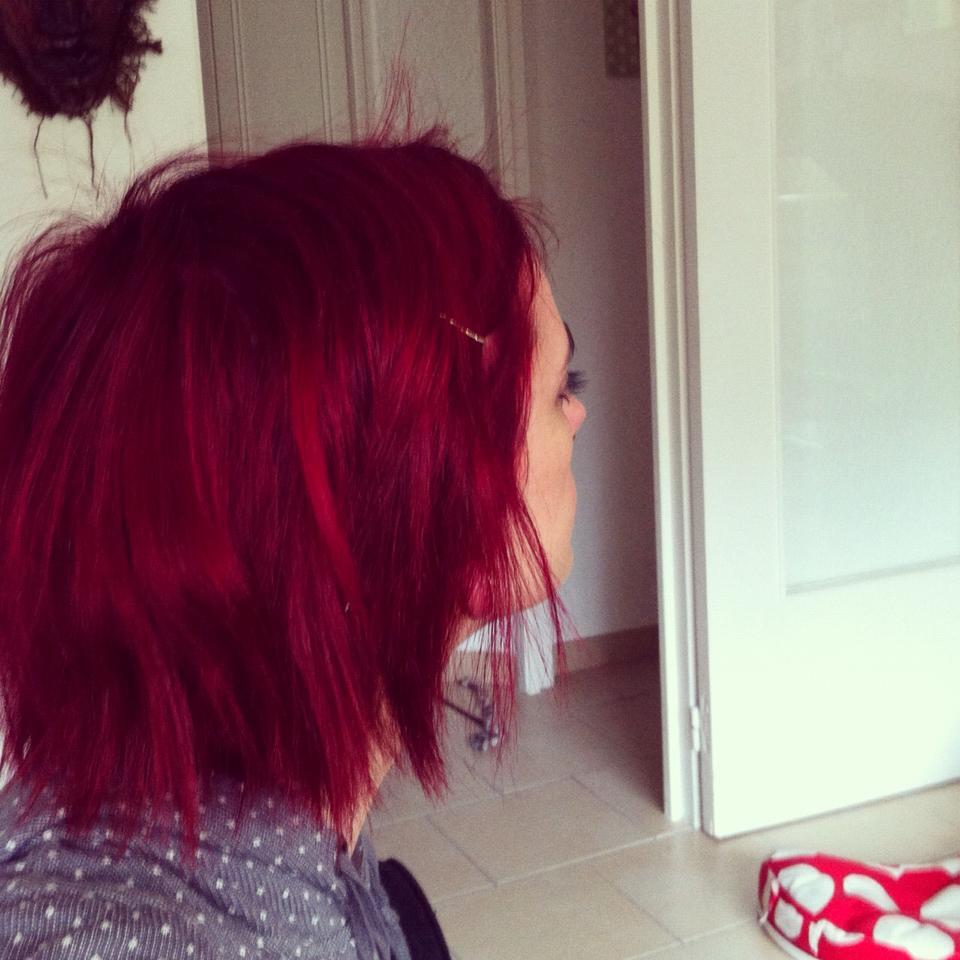 Couleur cheveux rouge rubine