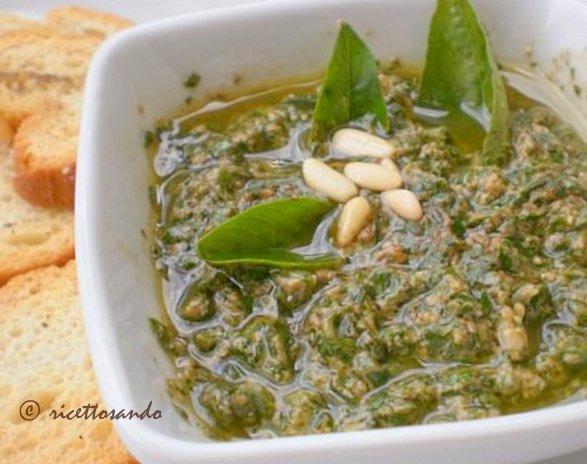 Pesto genovese ricetta genovese di condimento a base di basilico