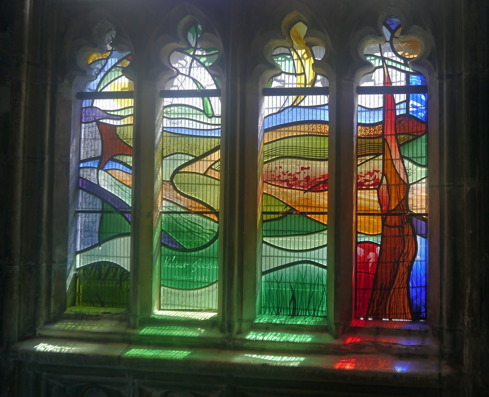 Photo blog gloucester cathedral stained glass for Contemporary stained glass