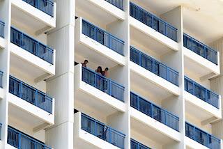 Un-Hombre-se-lanza-del-piso-19-del-hotel-Caribe-Hilton